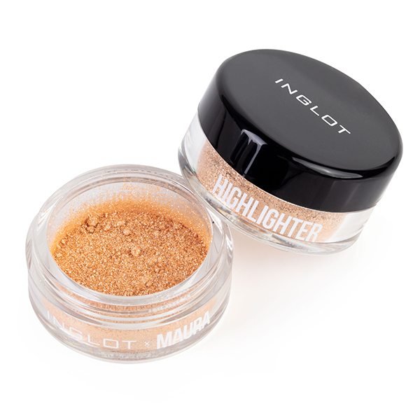 Inglot x Maura Sparkling Dust Highlighter